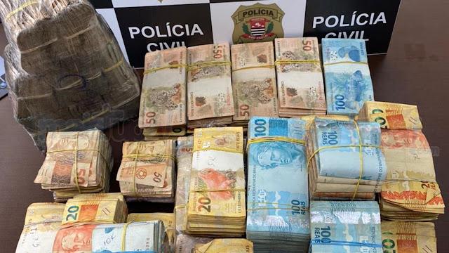 Polícia Civil apreende mais de meio milhão de reais durante mandado de busca em Tupã