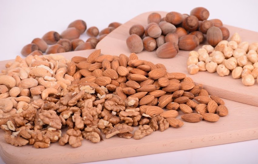 Dis advantages of  eating more almonds