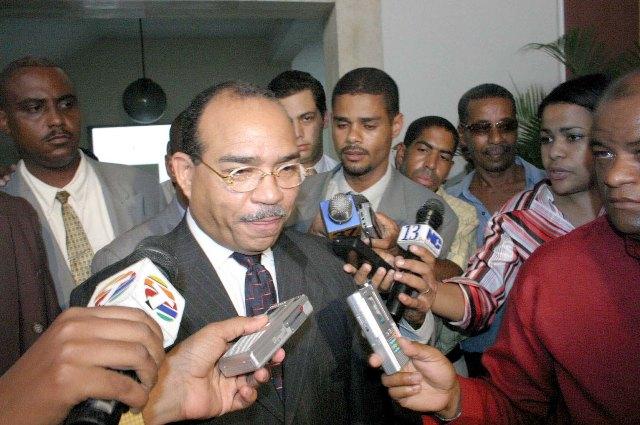 Víctor Céspedes dice juez de Barahona consideró la educación por encima del derecho a huelga