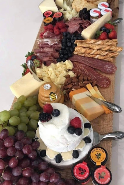 How To Make A Cheese Board For Your Date Night At Home
