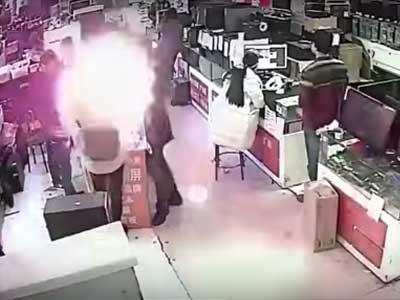 Baterai Meledak karena Digigit untuk Membuktikan Keaslian