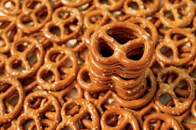 small hard pretzels