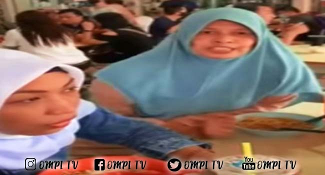 Viral Video 4 Wanita Dimarahi Oleh Emak-Emak Ketika Sedang Makan Direstoran Di Siang Hari Puasa