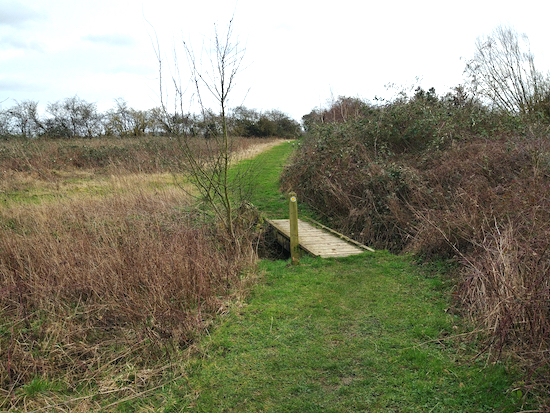Second of the two footbridges on Hunsdon footpath 13 - mentioned in point 17 above Image by Hertfordshire Walker released via Creative Commons BY-NC-SA 4.0