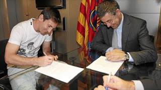صحيفة إسبانية ميسي لديه خيار مغادرة برشلونة
