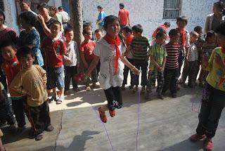 Permainan belajar untuk anak lompat tali