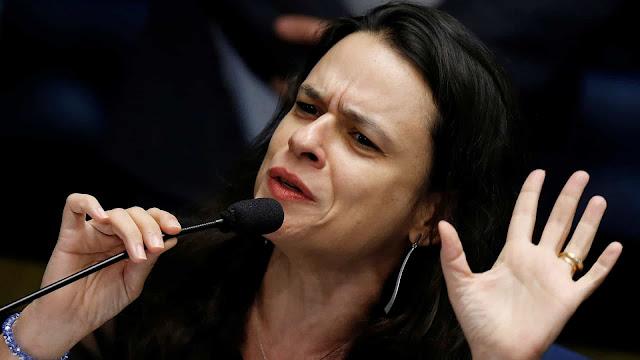 Janaína Paschoal Diz Que Bolsonaro Está Transformando O