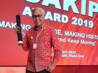 SAKIP Pemkab Bima Kembali Raih Nilai B, Wabup Terima Award dari Kemenpan RB