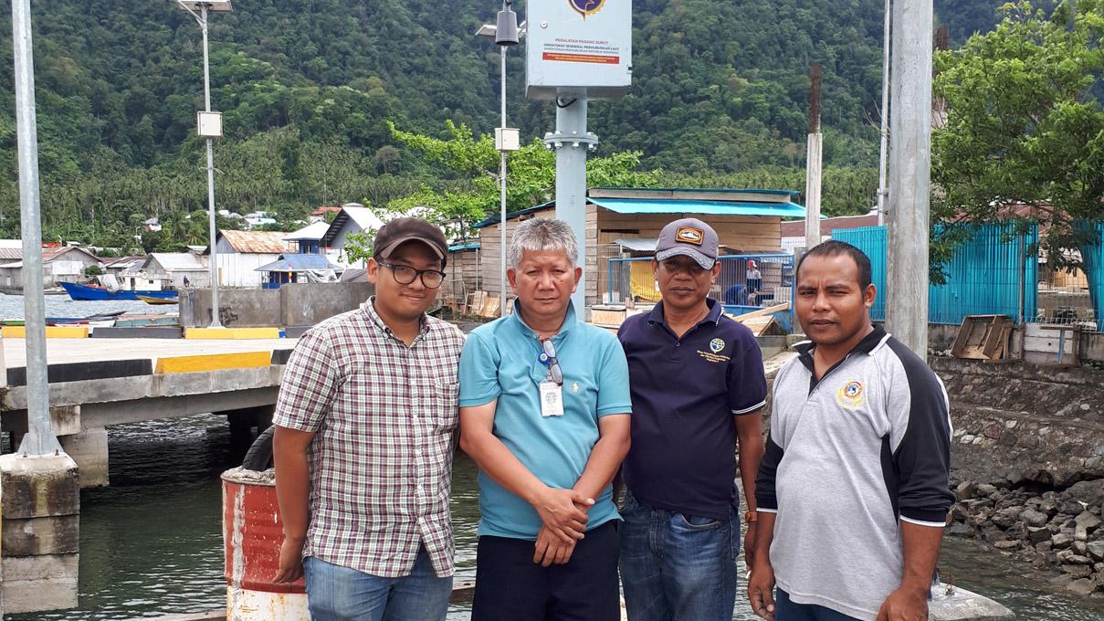 Instalasi Luwes Water Sensor di Pelabuhan Karang Jamuang, Jawa Timur