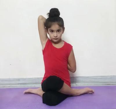 Gomukhasana steps in hindi