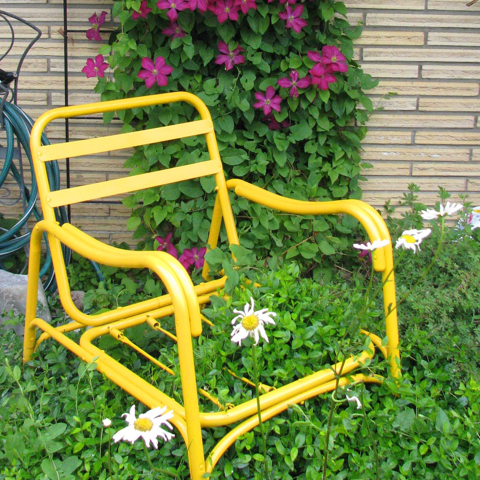Do It Yourself Garden: Rachel S. Neal: Do-It-Yourself Garden Art