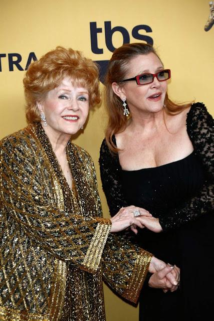 Debbie Reynolds y Carrie Fisher (Los Ángeles, Enero 2015)