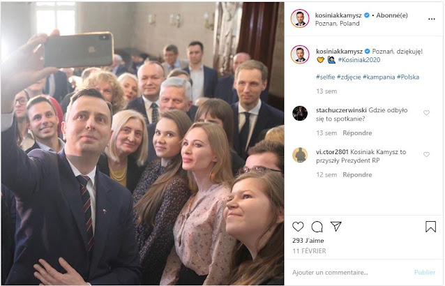 Władysław Kosiniak-Kamysz robi selfie z grupą ludzi