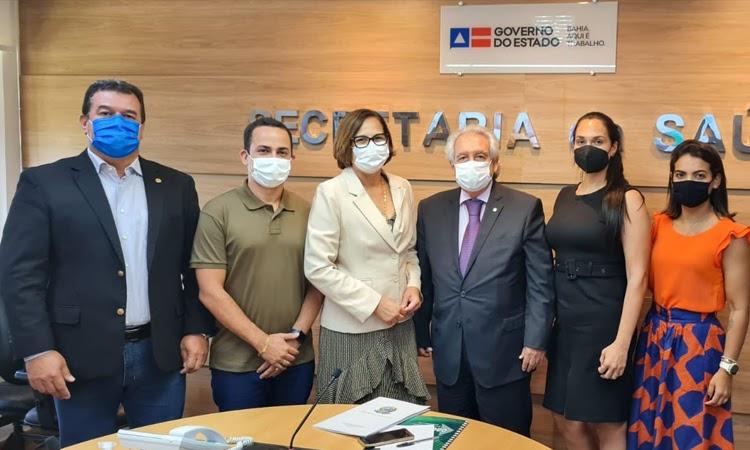 Prefeito de Ituaçu busca mais investimentos e melhorias na área da Saúde junto com a Sesab
