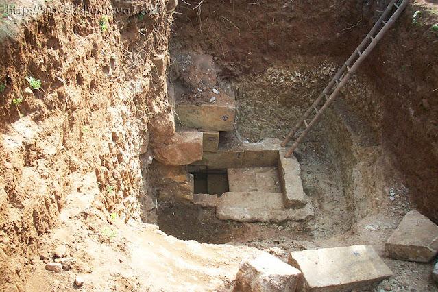 Kodumbalur Moovar Koil Temple Tank