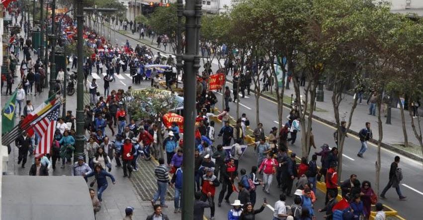 Huelgas perjudican confianza empresarial, sostiene Julio Velarde, presidente del Banco Central de Reserva
