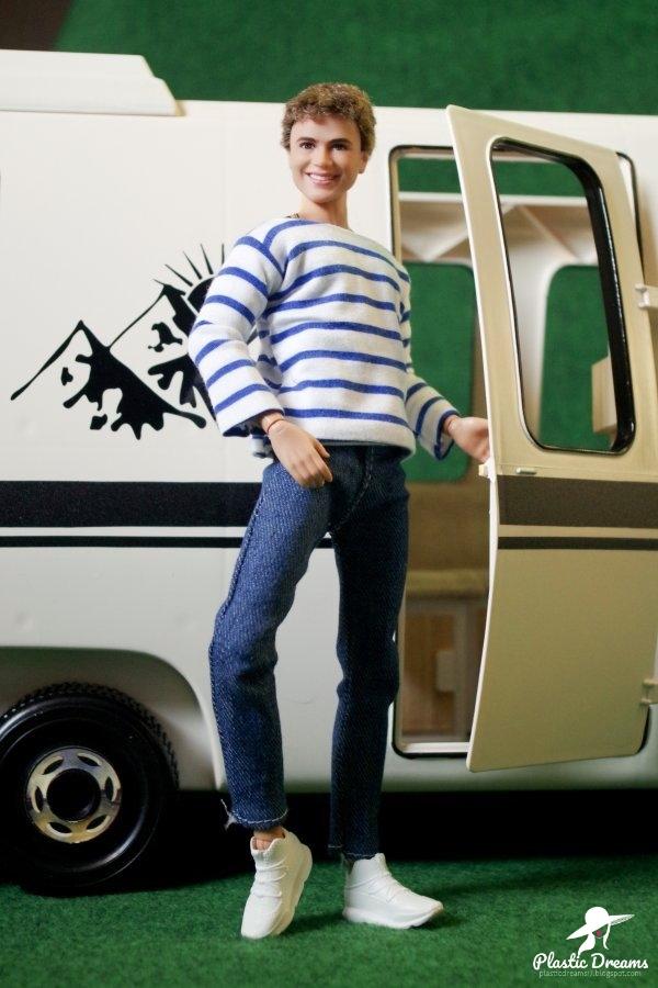 barbie camping car