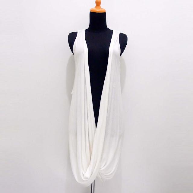 Cardigan Enchantement Lace Tanpa Lengan Dusty White Import Last Stock