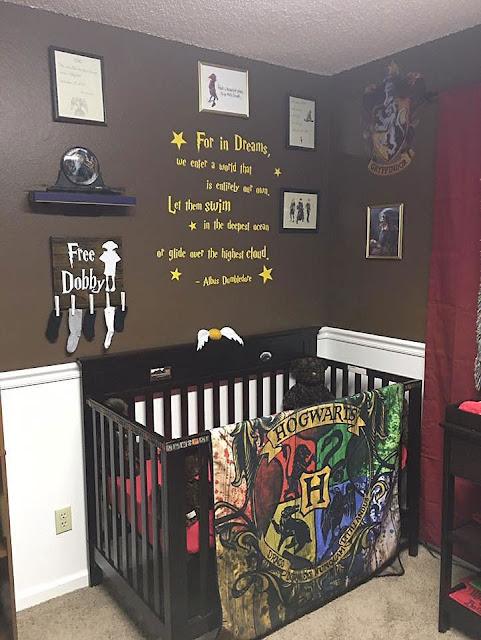 Pais se inspiram no universo de Harry Potter para decorar o quarto do Bebê