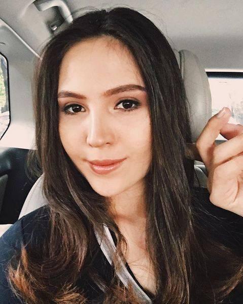 Olivia Jensen - artis blasteran indonesia