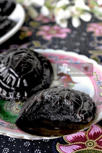 black sesame ang ku kuih ang ku kueh O ku kueh 黑龟粿 黑芝麻龟糕 less sugar less oil