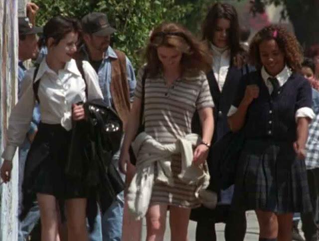 cena do filme jovens bruxas meninas