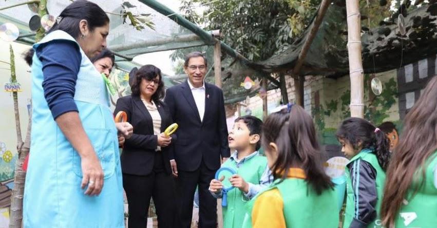 Presidente Martín Vizcarra participa en homenaje a maestros en la Institución Educativa N° 1017 Señor de los Milagros, en el distrito de Breña