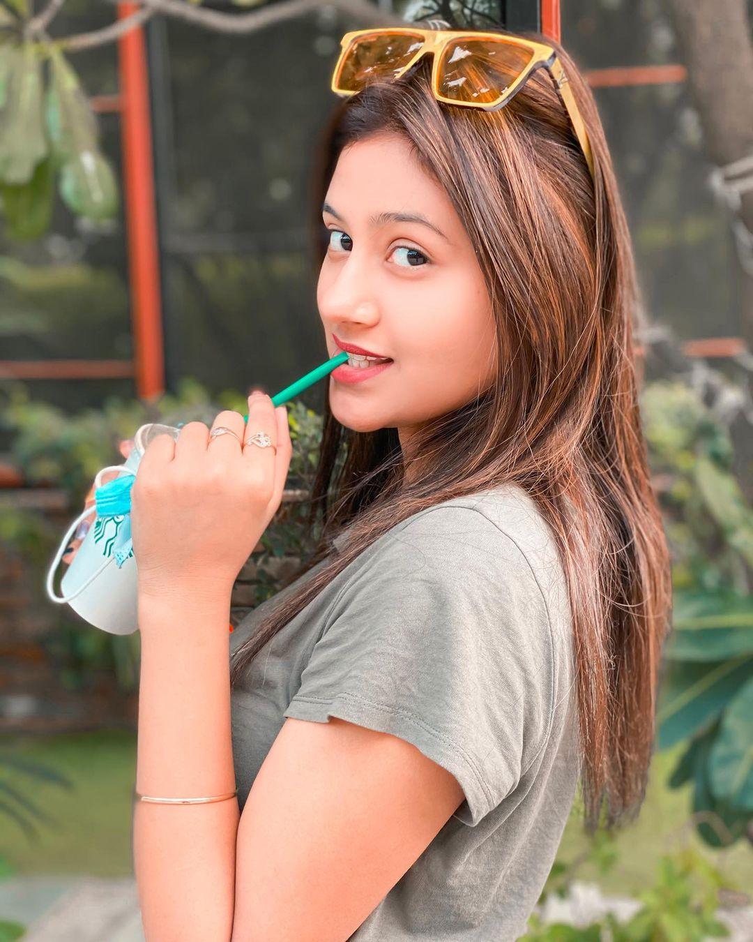 Anjali Arora cute photo