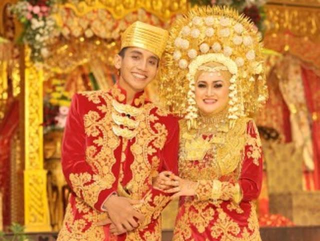 7 Tradisi Unik Pernikahan Adat Minangkabau yang Hanya Ada di Sumatera Barat.