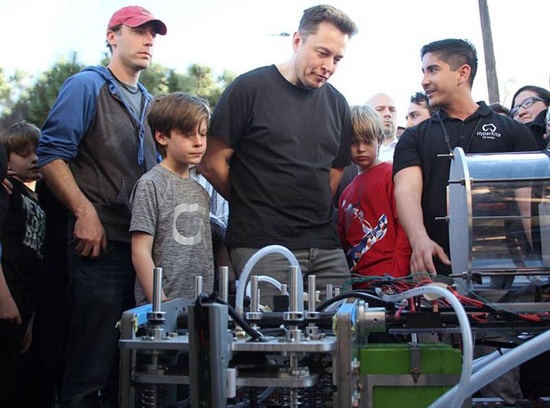 Ілон Маск з дітьми