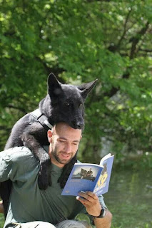 Dog Fun : Not sure who's reading to who