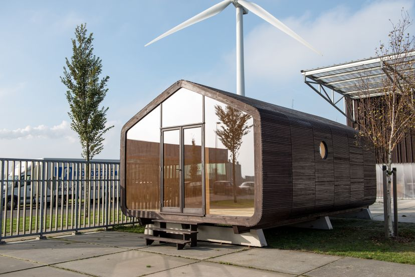 Tiny house town wikkelhouse the cardboard tiny home for Transportables haus