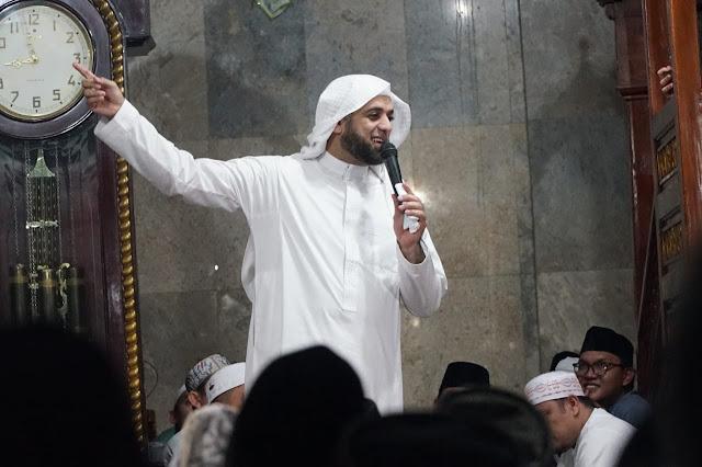 Biodata dan Profil Syekh Ali Jaber
