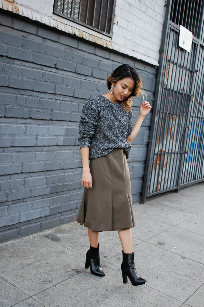 Midi pleated Skirt Outfit idea