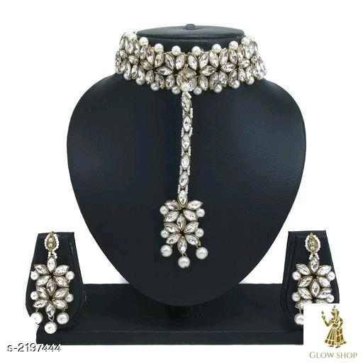 Trendy attractive Jewellery set