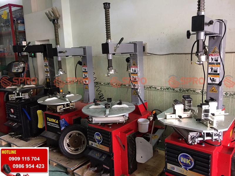 Máy tháo vỏ chuyên dùng mở vỏ xe tay ga, xe máy các loại