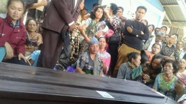 Mengharukan, Jenazah Veriona Gultom Tiba di Samosir, Sang Ibu Histeris Menyambut