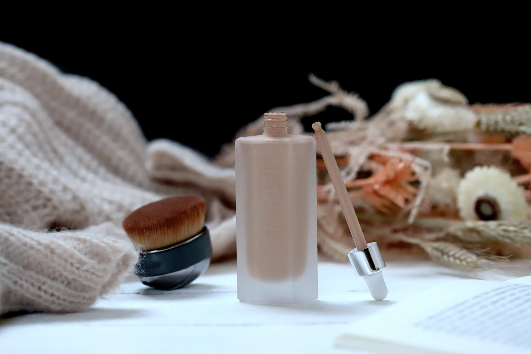 Kjaer Weis Invisible Touch fond de teint liquide