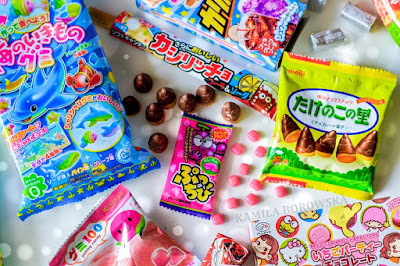 http://blogmanekineko.blogspot.com/2016/04/japan-candy-box-giveaway.html