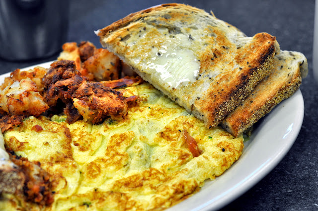 Broccoli Omelet with Home Fries and Rye Toast - Scotty's Breakfast | Taste As You Go