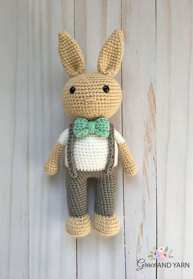 Crochet Bunny - Dutch Rabbit Amigurumi Pattern - Crochet News | 1154x800
