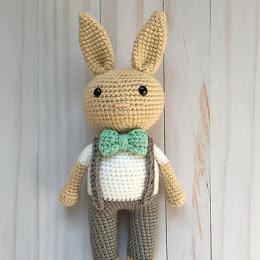 Amigurumi Cow - A Free Crochet Pattern - Grace and Yarn
