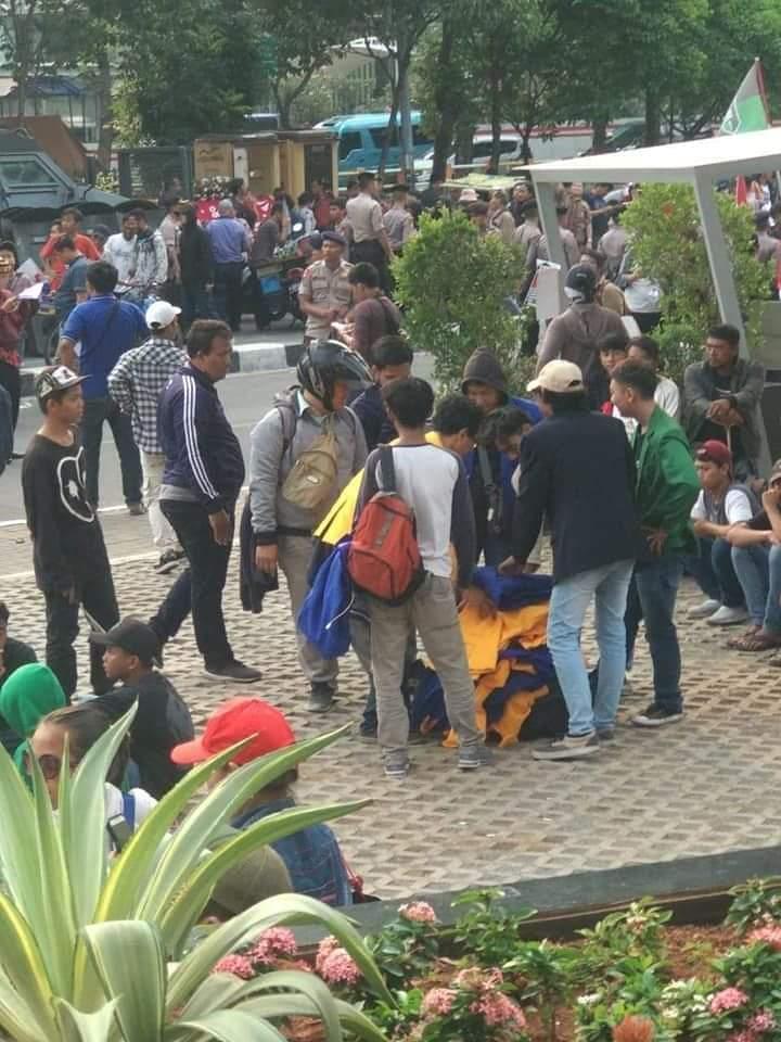 Heboh Mahasiswa Demo KPK Tanpa Identitas, Ini Sumber Jaketnya