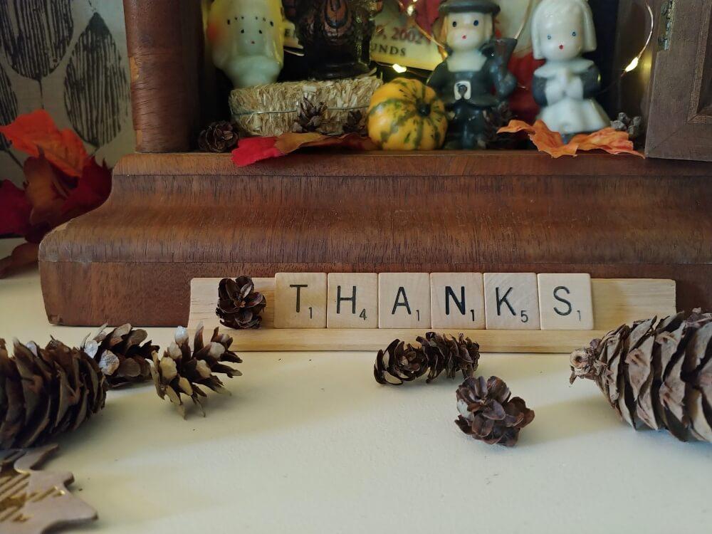 Vintage Thanksgiving Vignette
