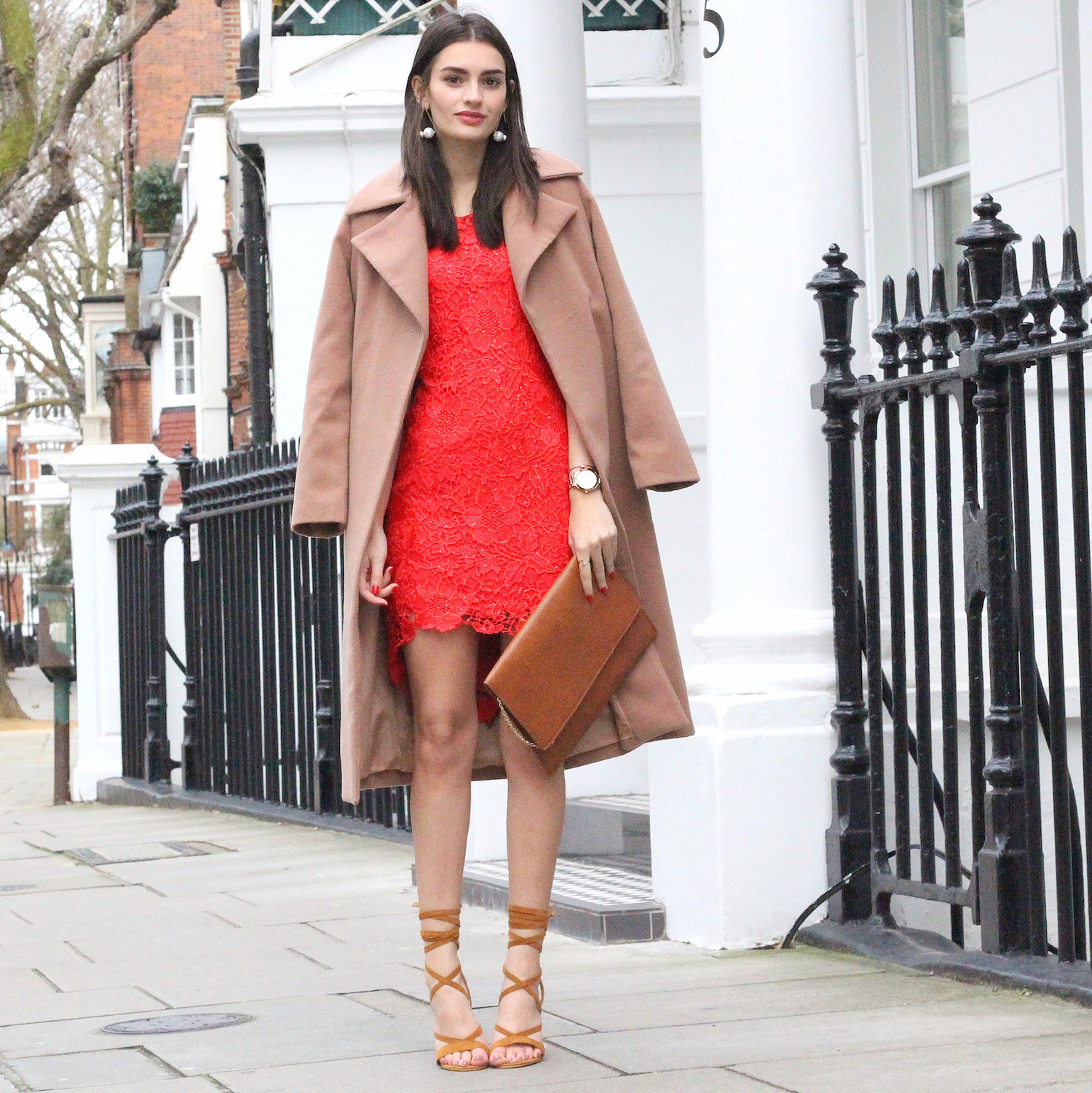 peexo fashion blogger wearing quiz dress and camel coat