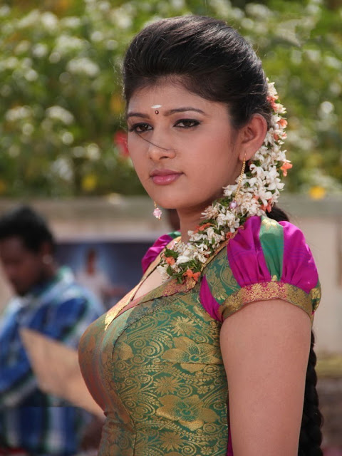 Sona Chopra in Tamil movie Thuttu hot stills