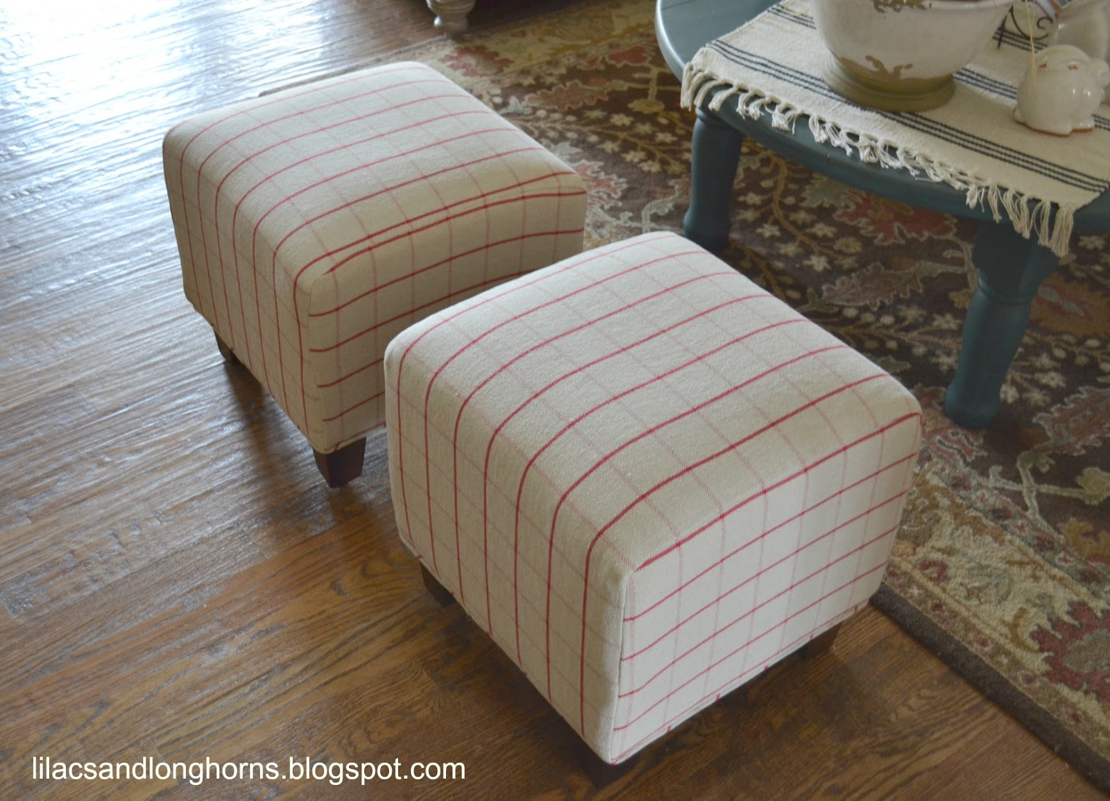 I did it reupholstering cube ottomans tutorial lilacs and longhornslilacs and longhorns