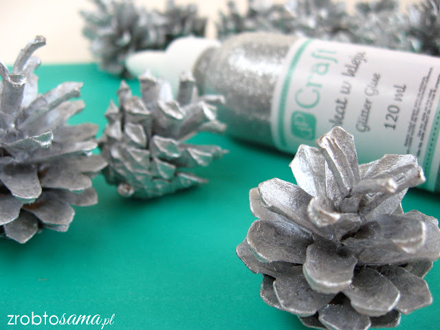 Srebrna girlanda z szyszek - świąteczne ozdoby DIY - zrób to sama