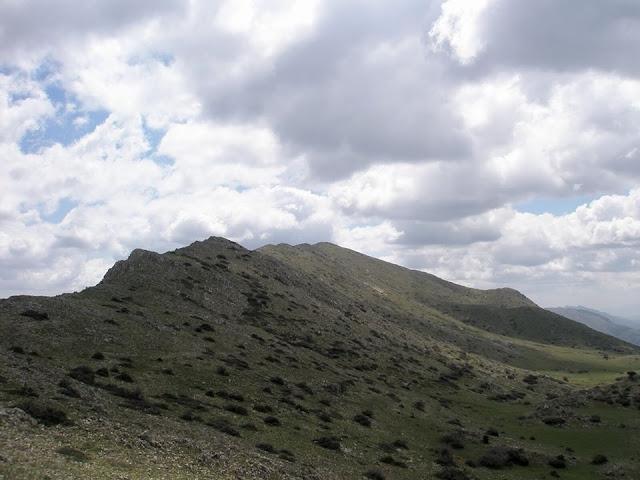 Ανάβαση στο όρος Σκίαθις στην Αργολίδα από τον Φυσιολατρικό Όμιλο Πειραιώς