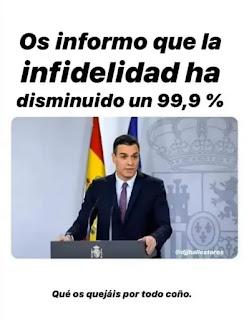 Presidente Pedro Sánchez dando una conferencia en un atril